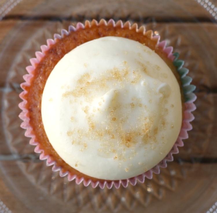Pfirsich Cupcakes Frischkäse Frosting