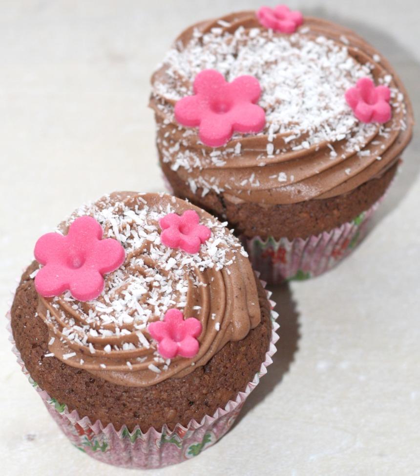 Bounty Kokos Cupcakes Schoko Frosting