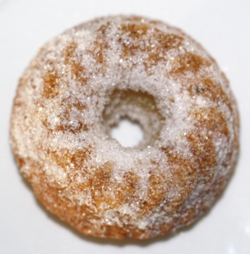 Mini Gugelhupf mit Birnen und Zuckerkruste