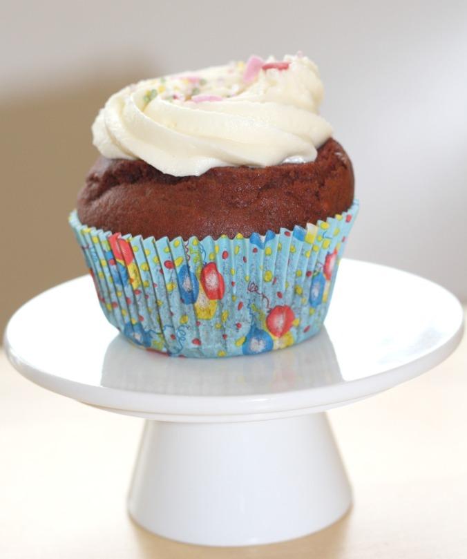 hummingbird bakery fr ulein cupcake. Black Bedroom Furniture Sets. Home Design Ideas
