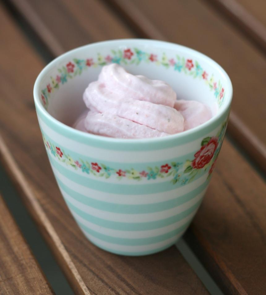 selbstgemachtes Erdbeer-Joghurt-Eis