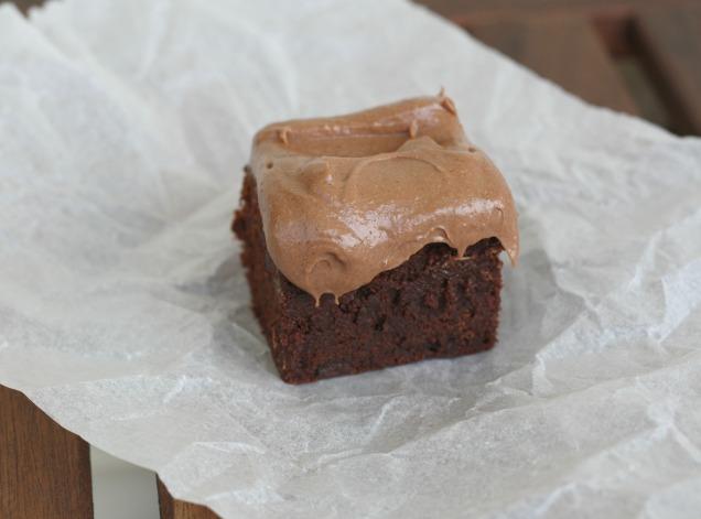 Triple Chocolate Brownies Schokolade Kuchen Frischkäse Frosting