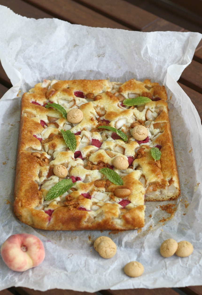 Pfirsich Melba Kuchen mit Himbeeren und Amaretti
