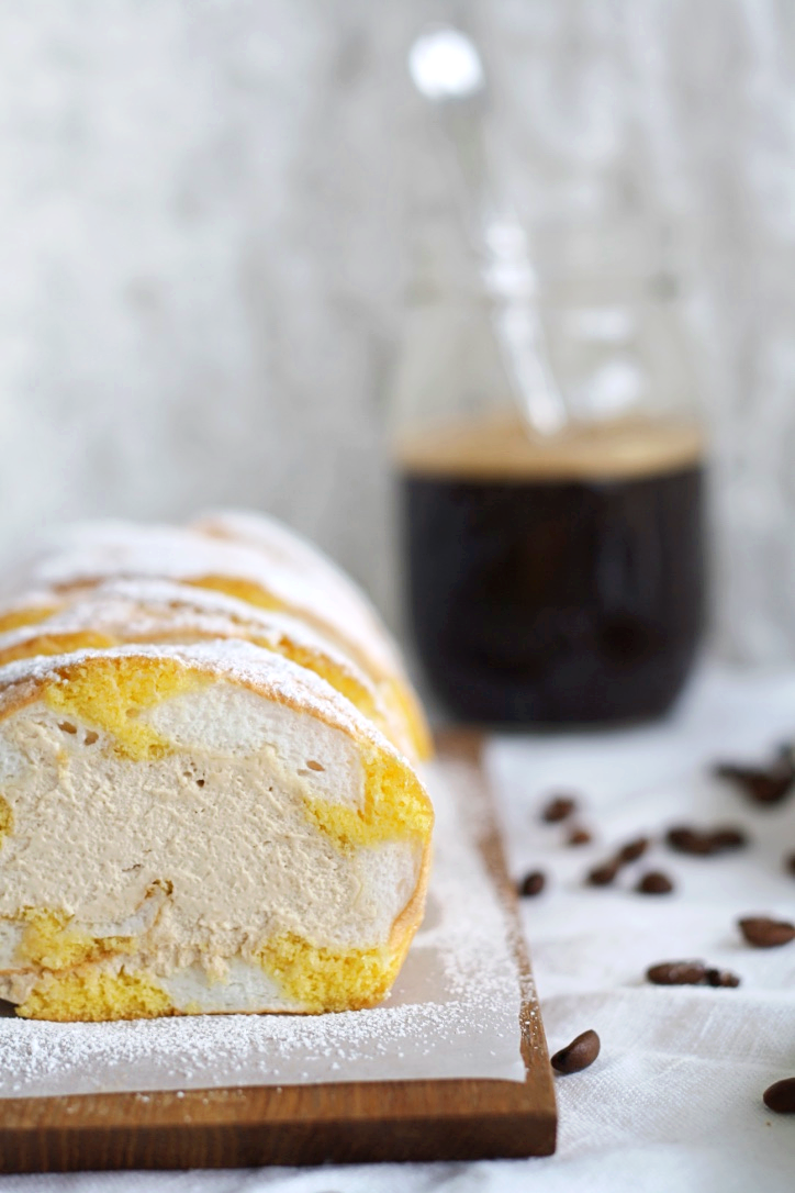 Kardinalschnitte-Kardinalroulade-Kaffee-Biskuit-Mehlspeise