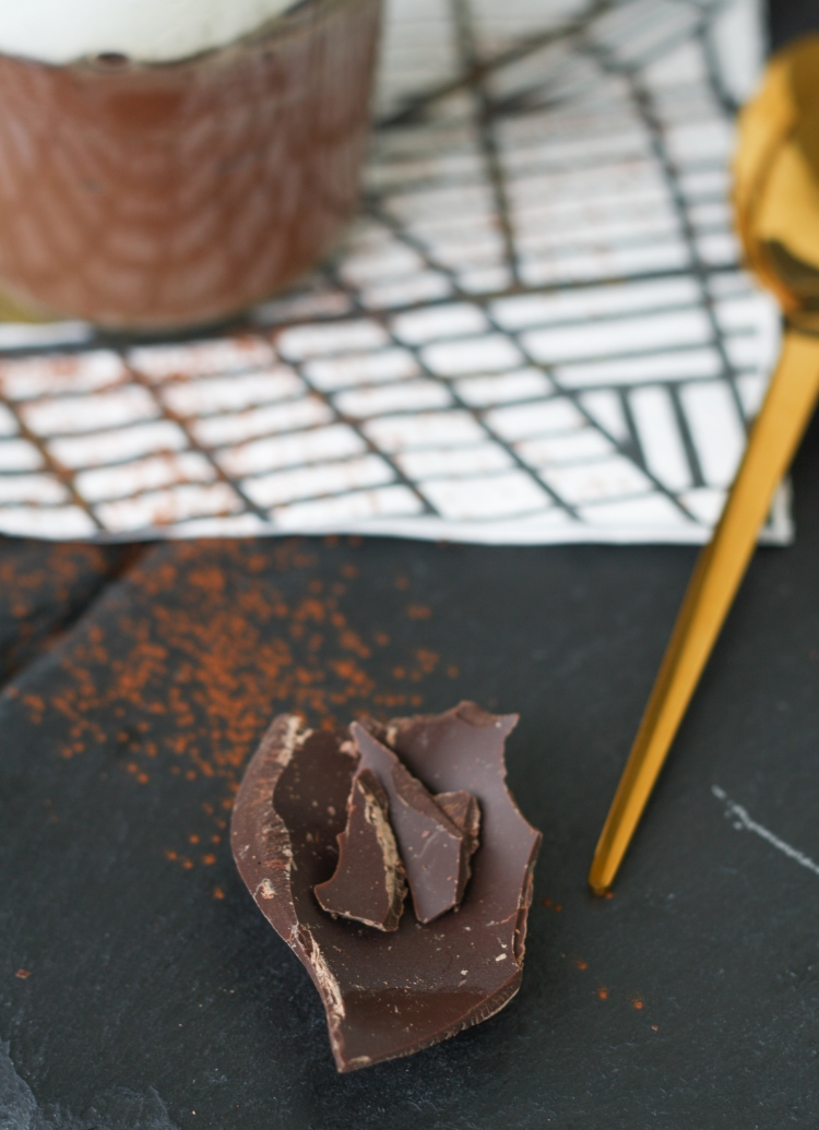 Schokopudding gebacken Baiser Meringue Schnee Schokolade Dessert