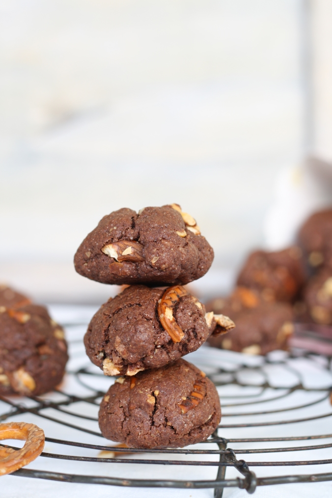 peanut-butter-pretzel-cookies-4