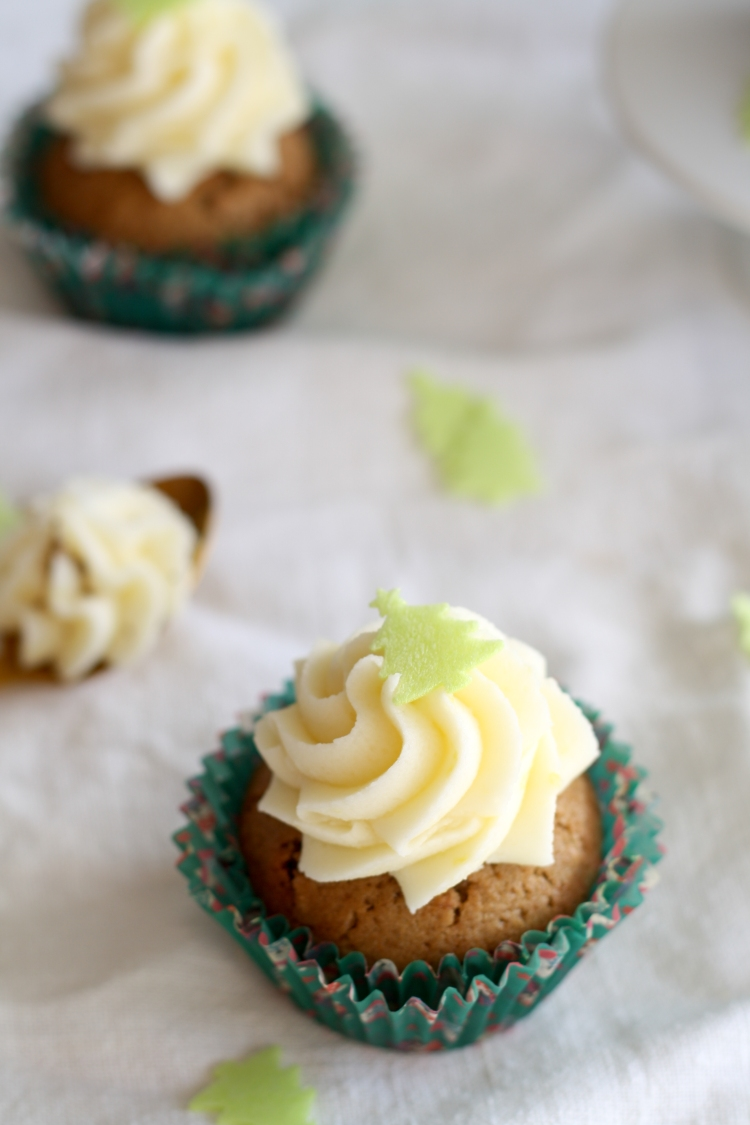 earl-grey-cupcakes-Zitrone-Buttercreme-Frosting-Tee-Kissa