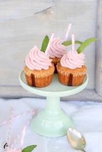 Erdbeer Milchshake Cupcakes mit Erdbeer-Buttercreme