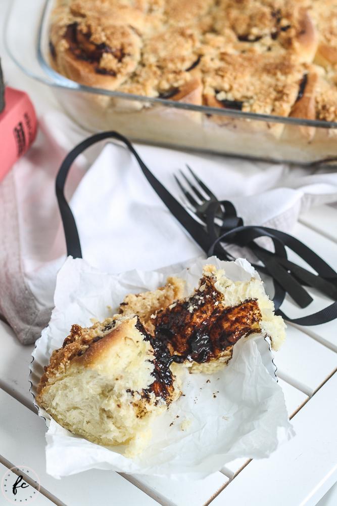 Germteigschnecken mit Powidl und Streuseln Fräulein Cupcake-10